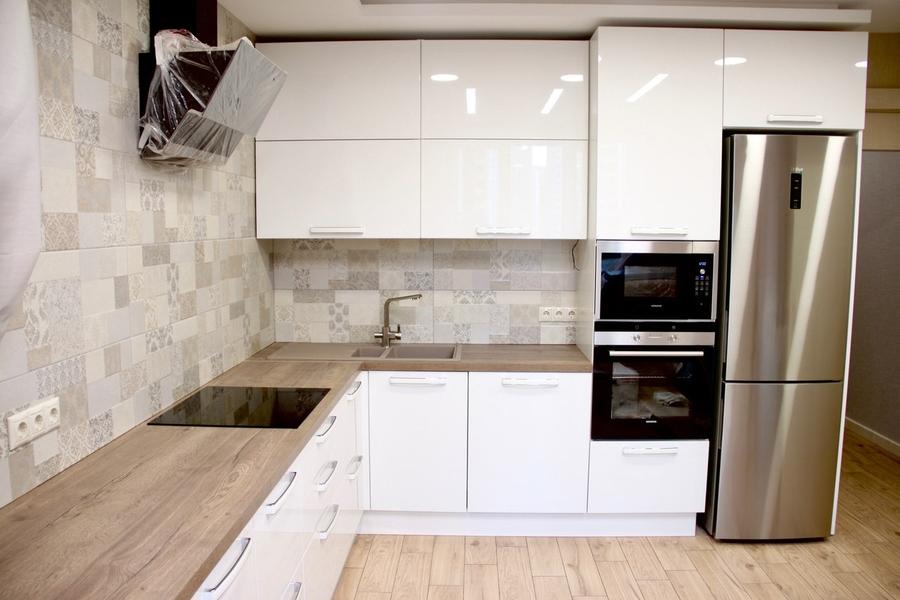 Белый кухонный гарнитур-Кухня МДФ в эмали «Модель 289»-фото3