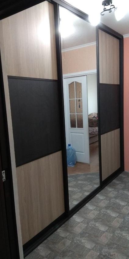 Бельевой шкаф-купе-Шкаф-купе с зеркалом «Модель 333»-фото1