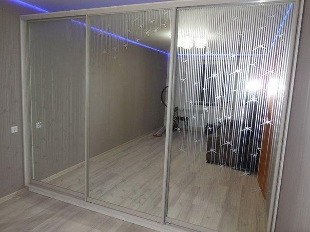 Белые шкафы-купе-Шкаф-купе с зеркалом «Модель 309»-фото1