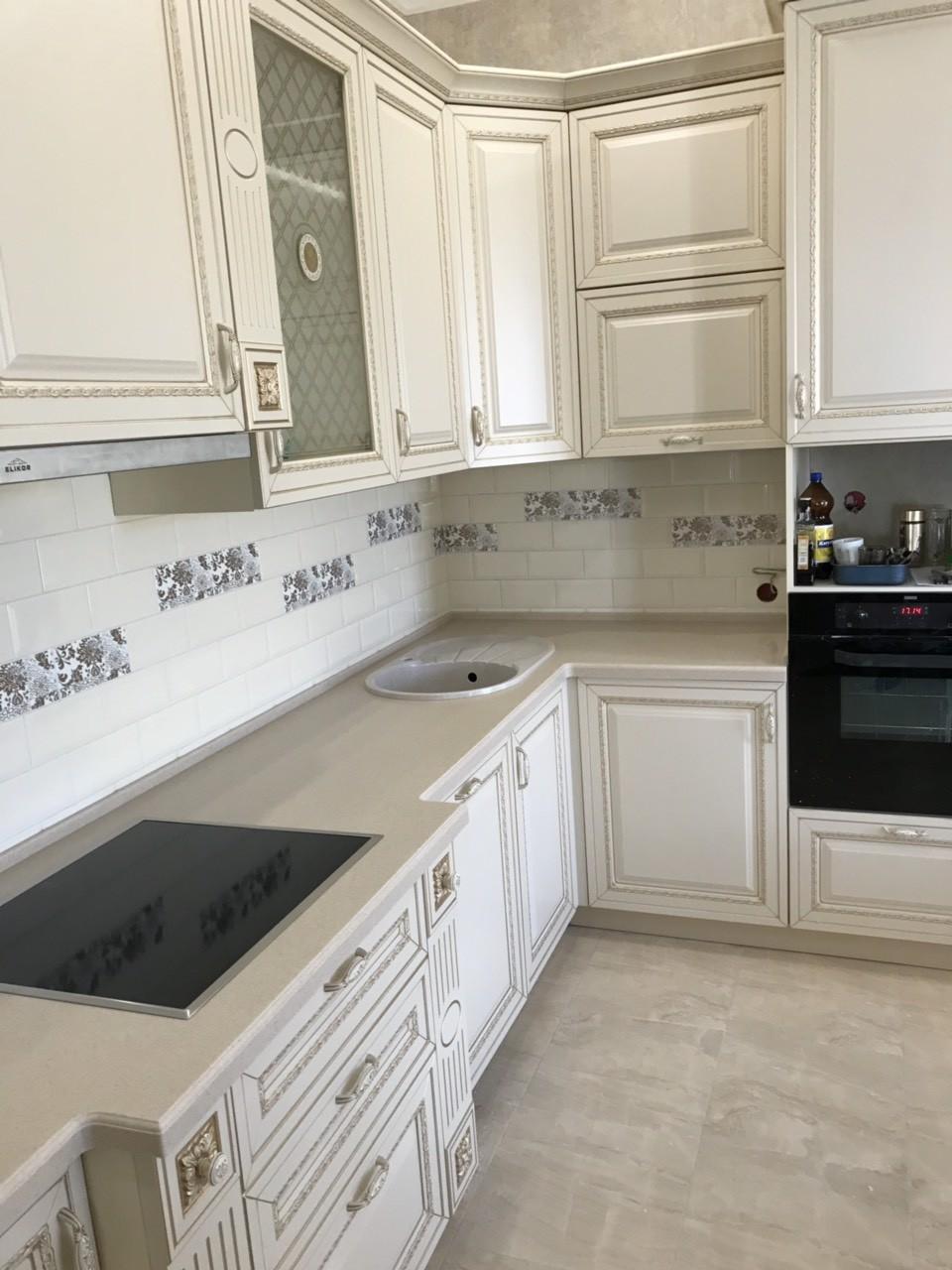 Белый кухонный гарнитур-Кухня МДФ в ПВХ «Модель 535»-фото2