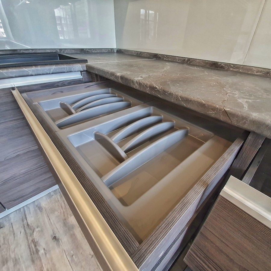 Белый кухонный гарнитур-Кухня из пластика «Модель 539»-фото8